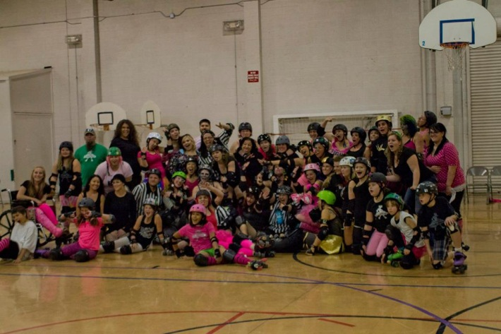 Carson Victory Rollers Group Picture